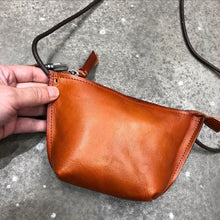 Load image into Gallery viewer, Vintage Leather Ladies Phone Crossbody Bag