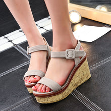 Load image into Gallery viewer, Women Super Soft Stylish Wedge Sandals