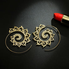 Load image into Gallery viewer, New Exaggerated Swirl Earring Simple Snail Spiral Ear Cuff Earrings