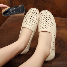 Load image into Gallery viewer, Women Soft Sole Comfortable Hollow-out Loafers