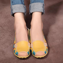 Load image into Gallery viewer, Women Flower Floral Loafers Moccasins Flats Comfortable Round Toe Flats