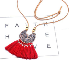 Load image into Gallery viewer, Women Holiday Beaded Fringed All Season Necklace