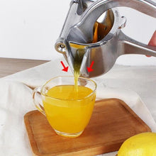 Load image into Gallery viewer, Kitchen Fruits Hand Manual Juicer