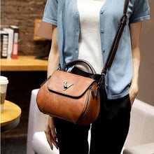 Load image into Gallery viewer, Women Vintage Style Tassel Bucket Handbag Shoulder Bag