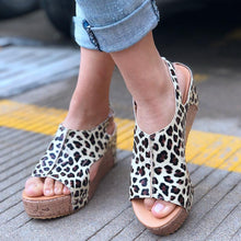 Load image into Gallery viewer, Casual Platform Leopard-print Sandals