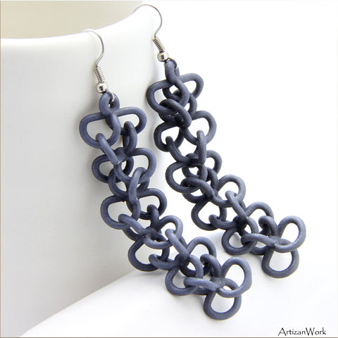 Chain Link Dangling Earrings in Gray