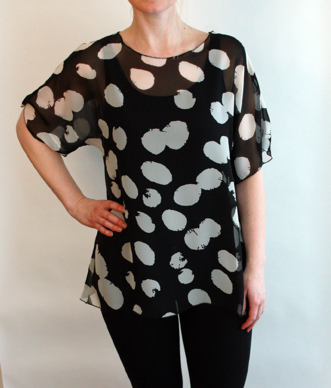 Comfy Top  Black And White Print  Wholesale