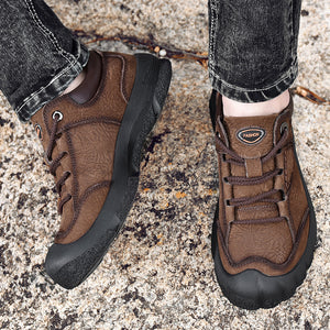 Men Outdoor Hiking Climbing Shoes Comfy Flats
