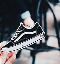 Load image into Gallery viewer, Vans Old School