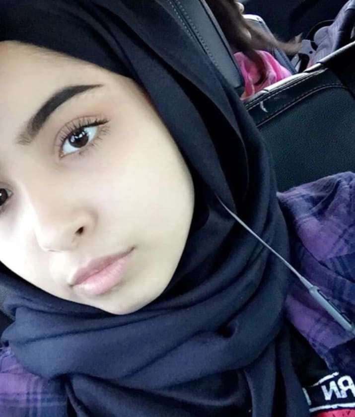 "After Someone Claimed This Teen's Dad Would ""Beat Her"" For Taking Off Her Hijab, She Texted Her Dad"
