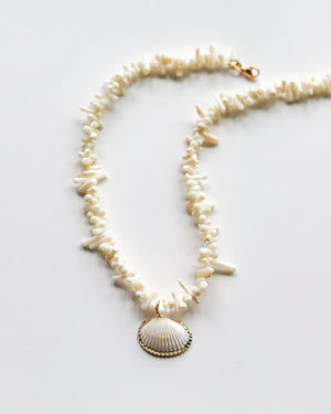 CORAL SEASHELL NECKLACE