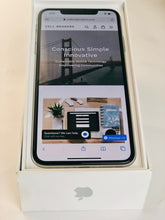 Load image into Gallery viewer, iPhone Xs Max 256gb - AT&T (Straight Talk/Cricket)