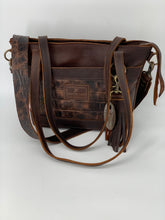 Load image into Gallery viewer, Medium Brown Croc Leather Tote Bag with Outside Front Pocket
