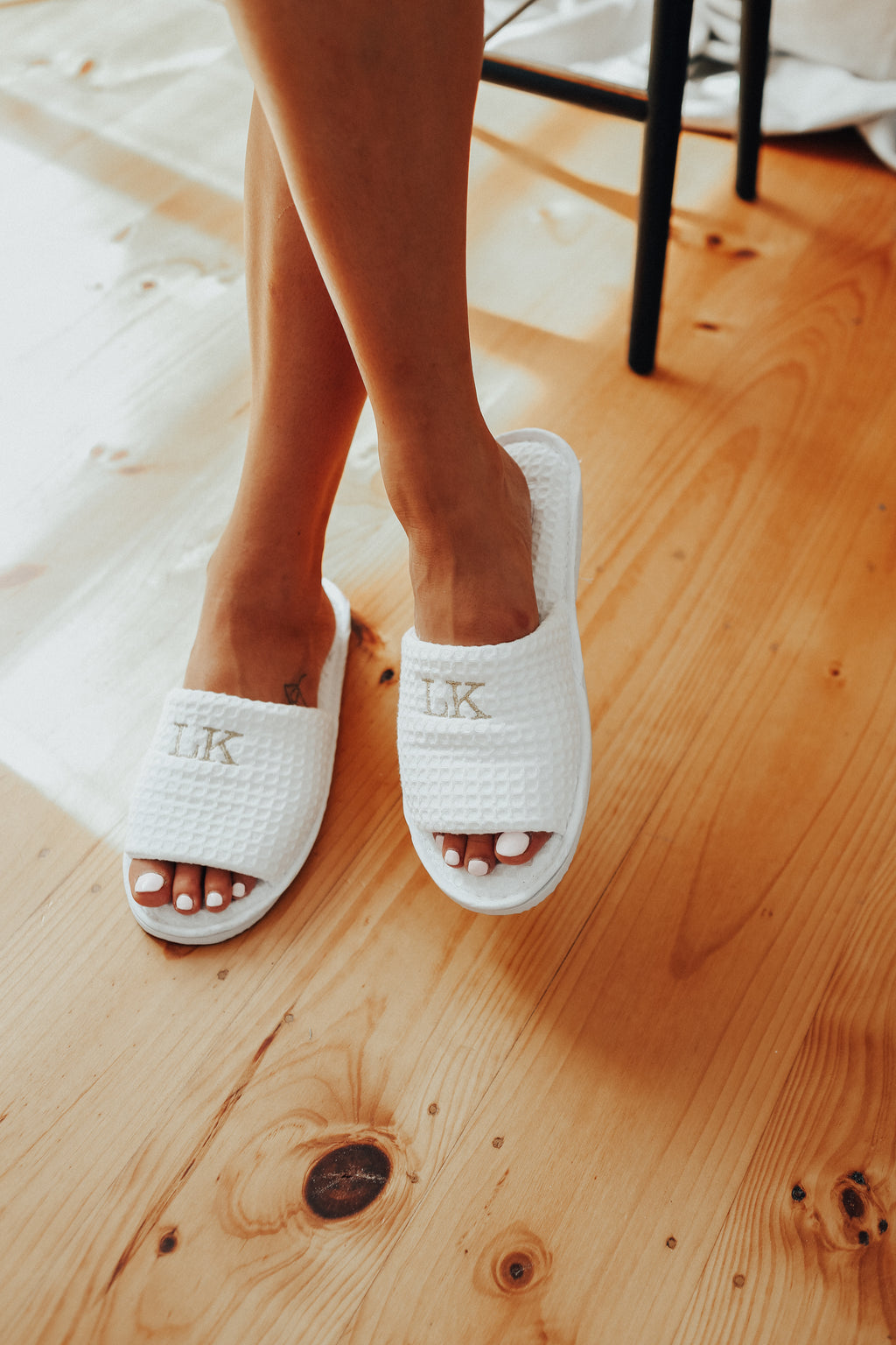 Amour White Slipper