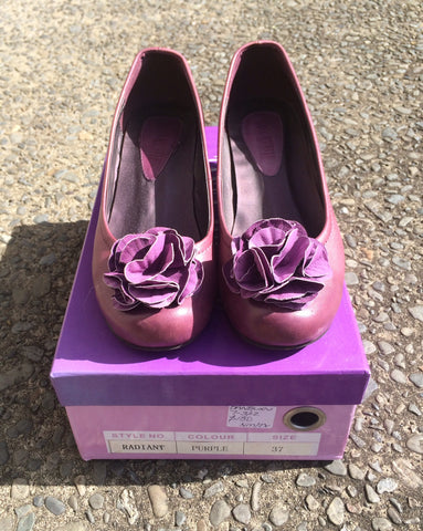 Purple Leather Flower Pumps size 37