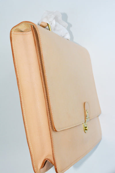 Original & Classic BREE Handbag, made in Germany made of 100% Leather. Shoulder Straps are included.