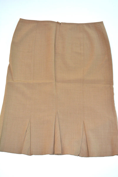 Women's Skirt by TAHARI, Size 8, 53% Polyester, 43% Wool, 4% Lycra.