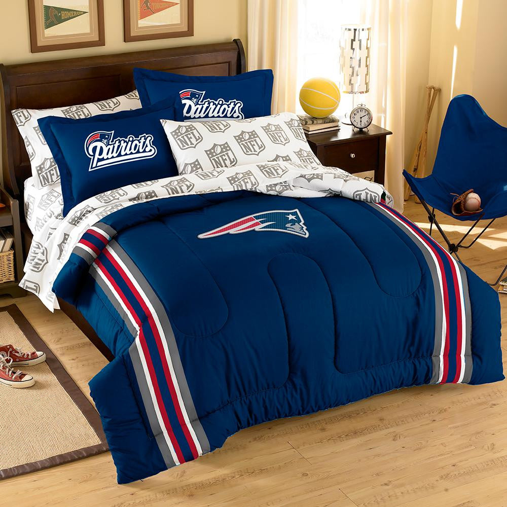 New England Patriots NFL Embroidered Comforter Set (Twin/Full) (64 x 86) xyz