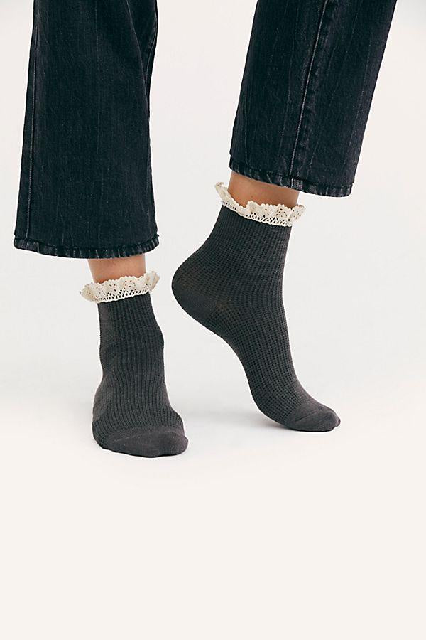 Darling Waffle Knit Ankle Socks - T. Georgiano's