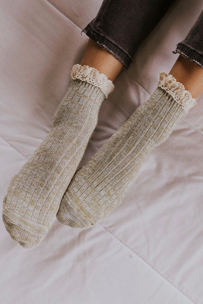 Escapade Ruffle Ankle Socks