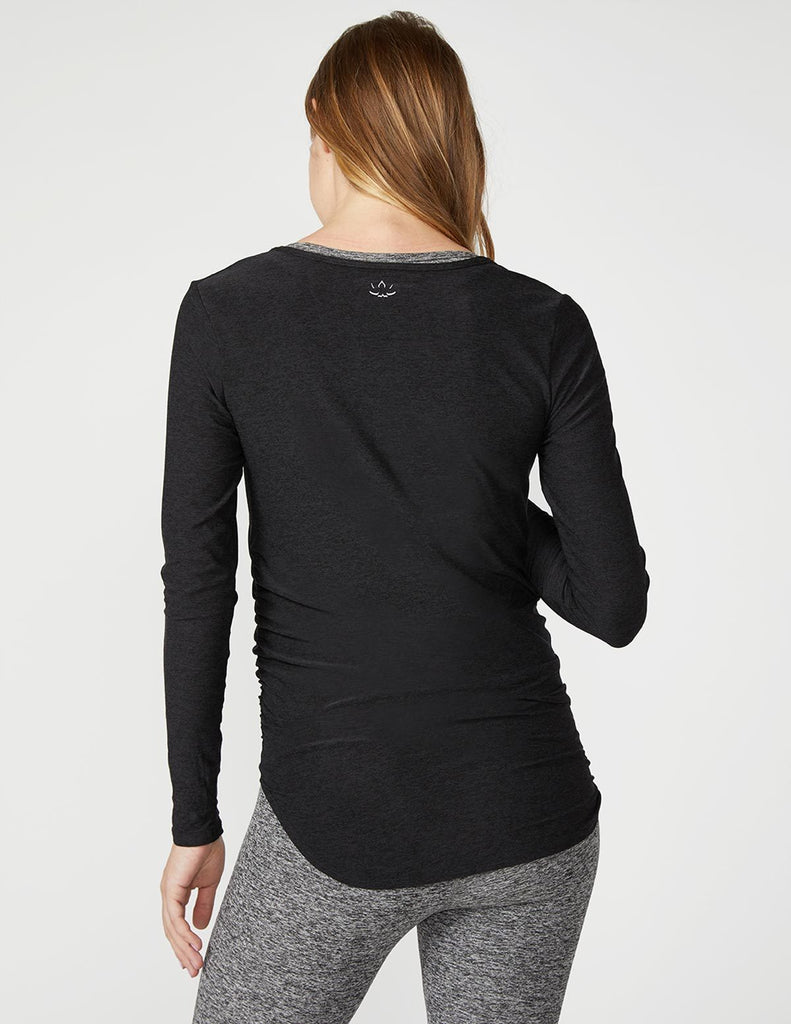 Cut and Run Maternity Pullover - T. Georgiano's