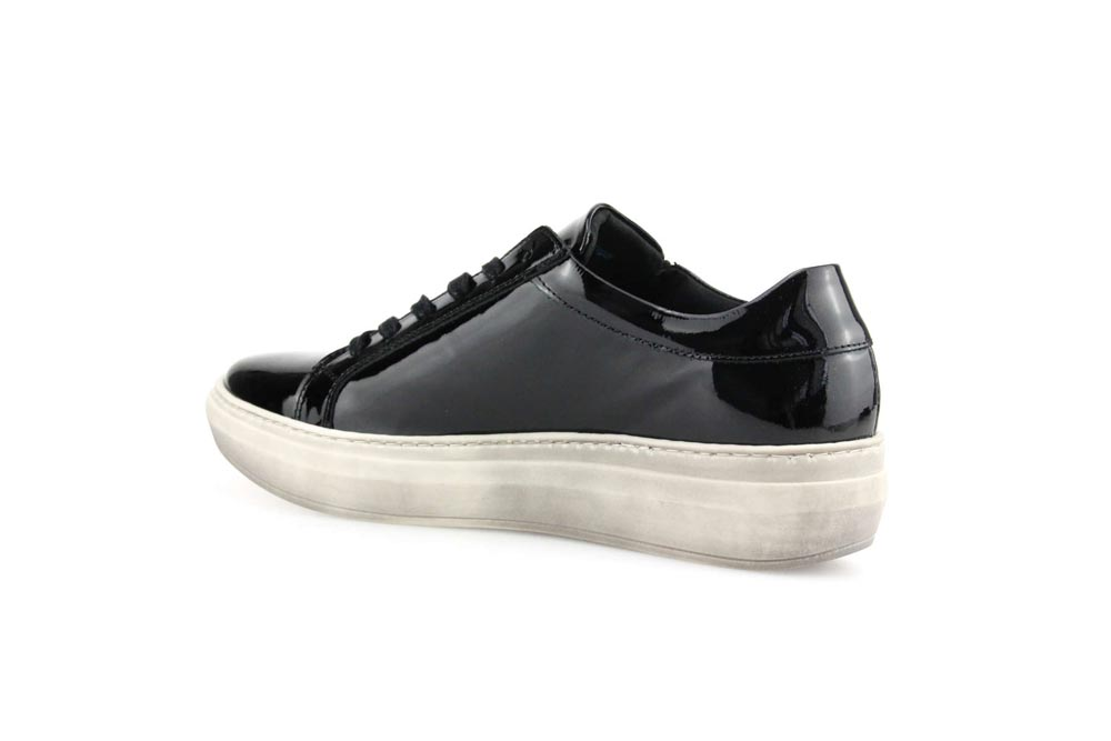 Cloud Footwear Quantas Zip - T. Georgiano's
