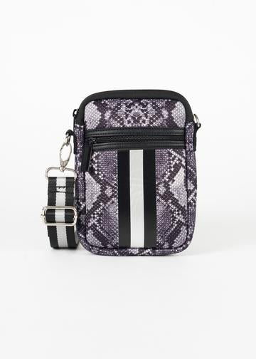 Casey Crossbody - T. Georgiano's