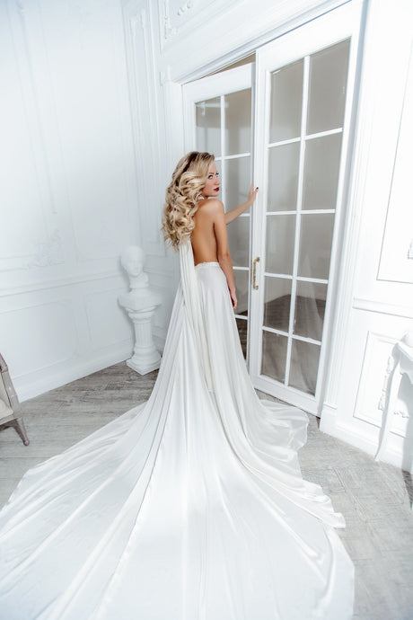 Styling Tips: Simple Wedding Dresses