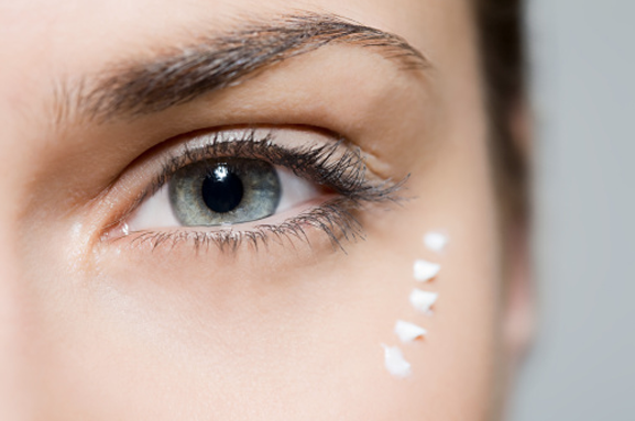 The Dos And Don'ts Of Using Eye Cream