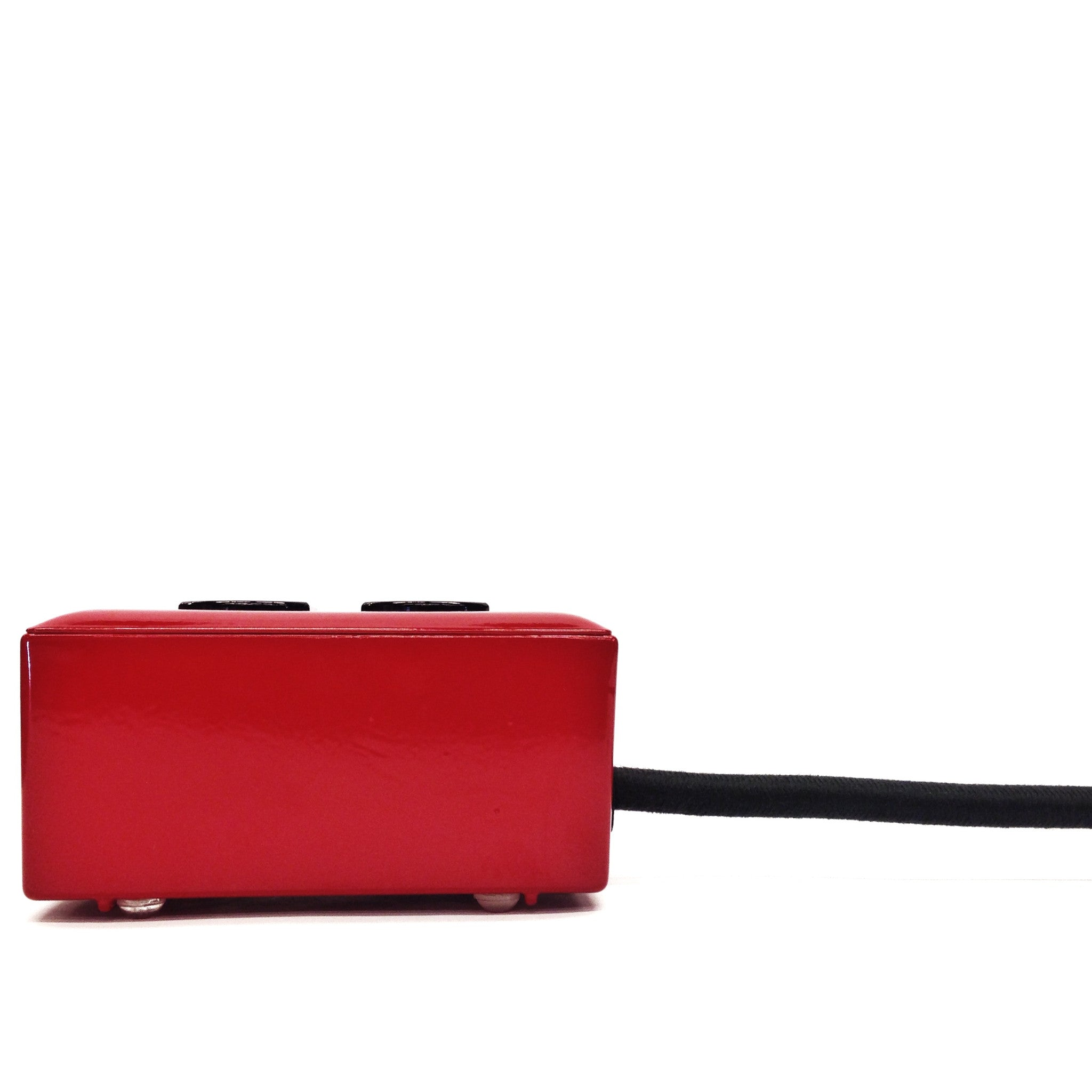 Extō Charcoal Red - A Modern Dual-Tamper-Resistant Outlet, 13-AMP Extension Cord