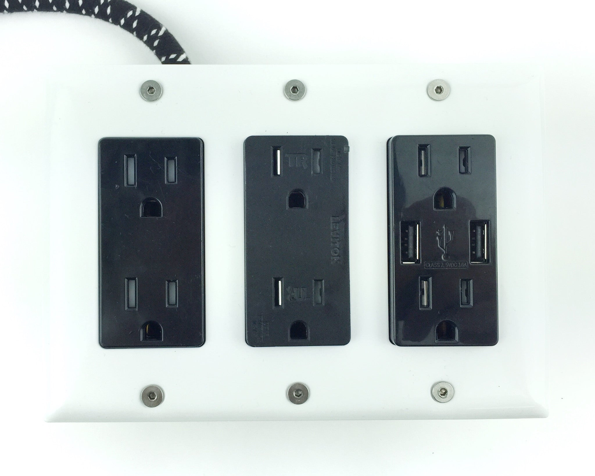 New! 6' Extō Surge 720 Smart Chip Surge-Protected Smart USB 6-Outlet Power Strip ACDC Black & White