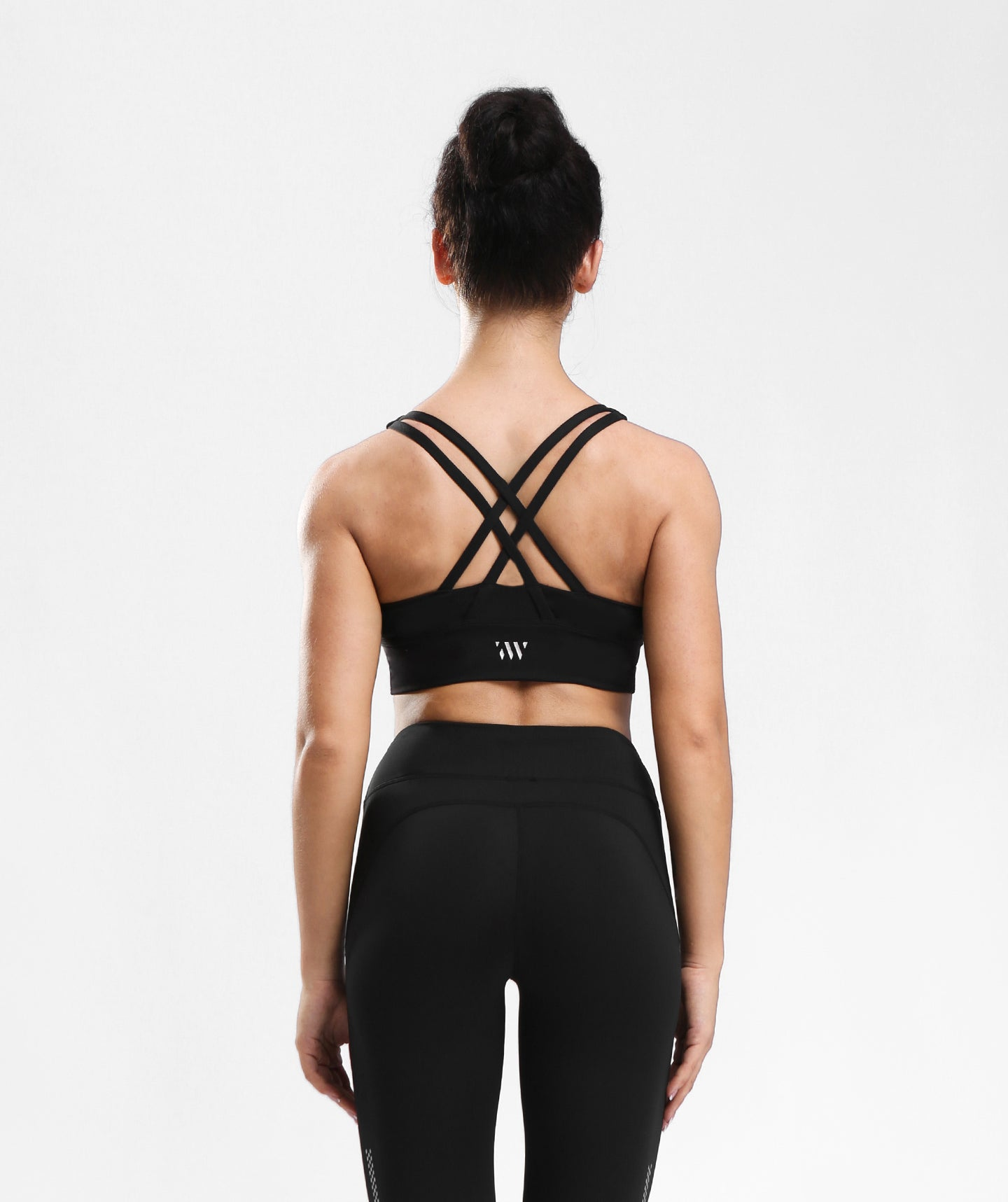 Focus Strappy Back Sports Bra - Black