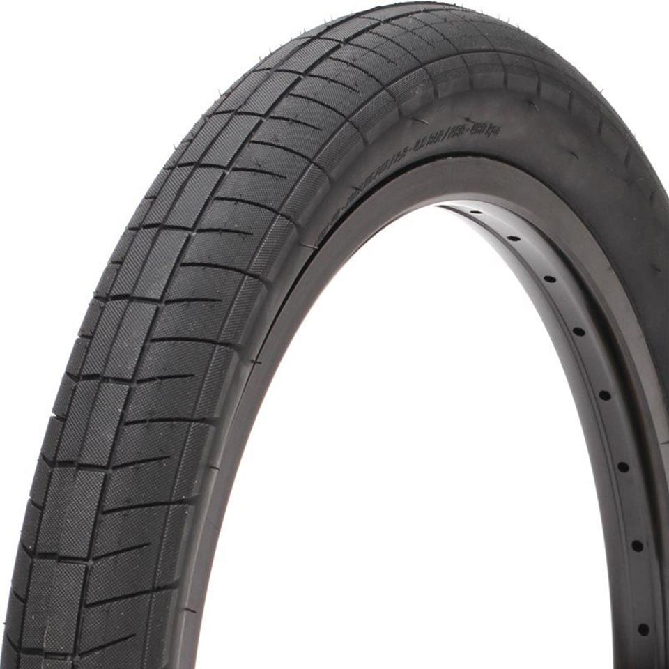 Saltplus Sting Tire