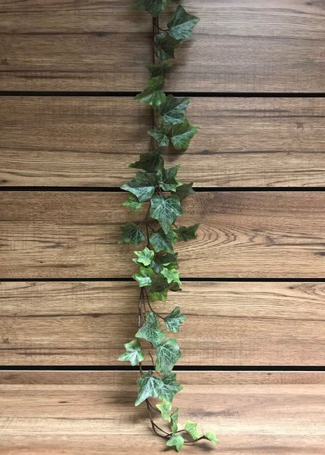ITEM 12217 - 6 FOOT FROSTED GREEN ENGLISH IVY GARLAND WITH 98 LEAVES