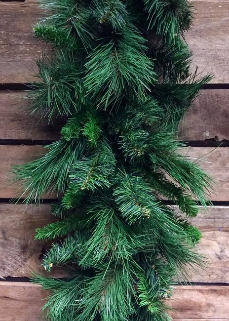 ITEM 81311 - 9 FOOT MIXED PINE GARLAND W/150 TIPS