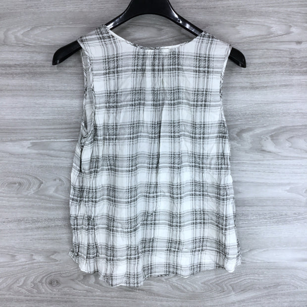 DR2 Sleeveless Blouse