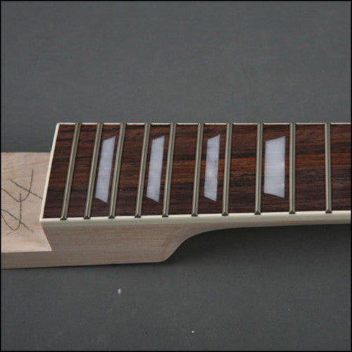 EG ES 10s - Neck Bottom