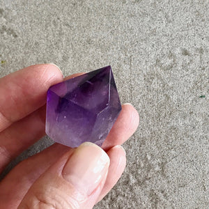 Mini Amethyst point