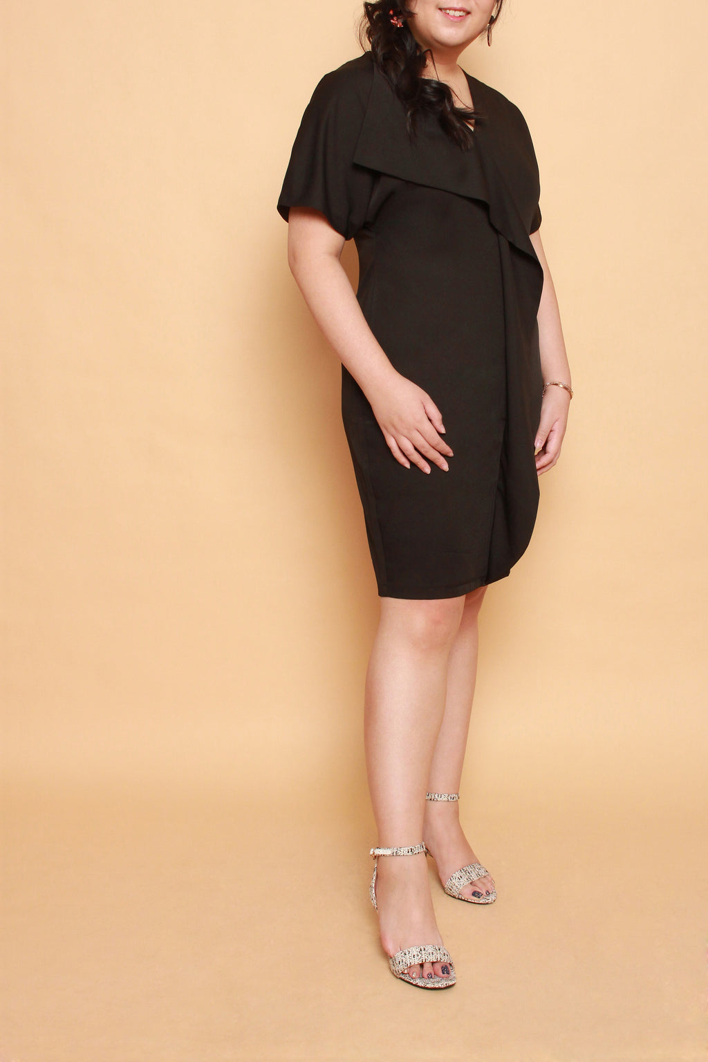 Waves Shift Dress (Black)
