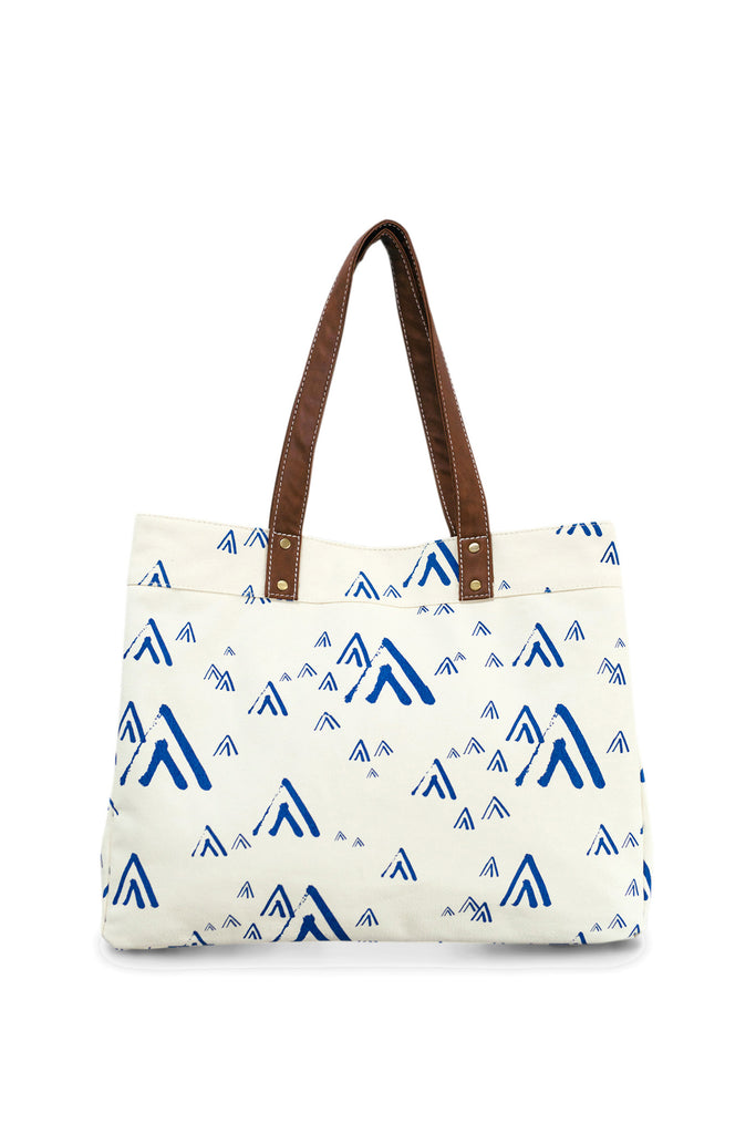 Maika Carryall Tote in White Mt. Tam