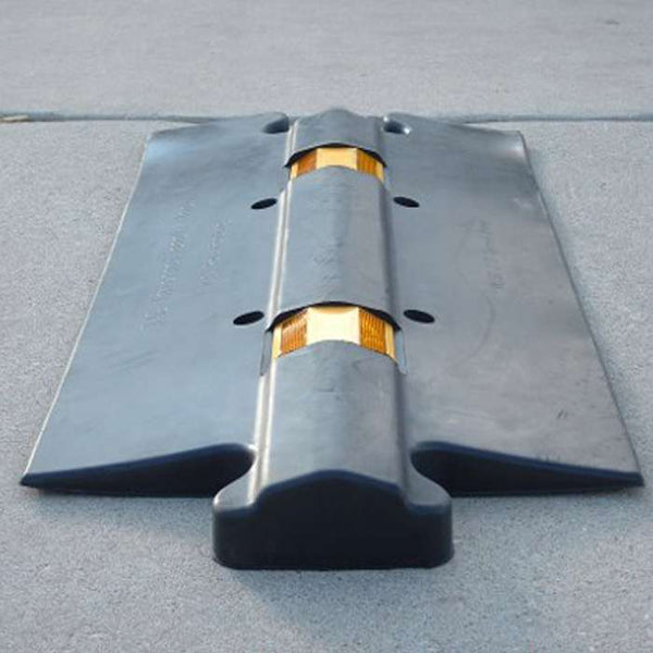 Low Profile Rubber Speed Bump Pedestrian Friendly 2.5 Inch