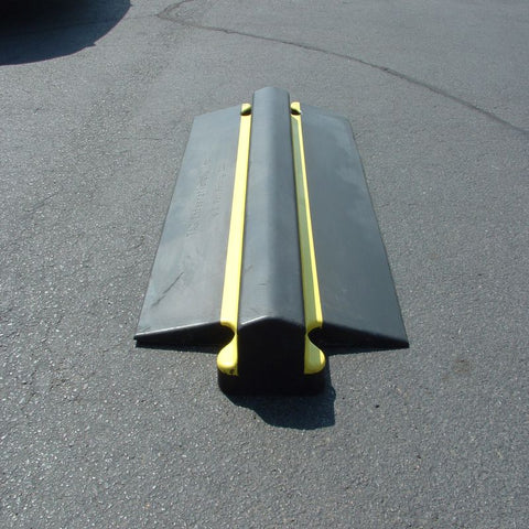 Roadway Heavy Rubber Speed Bump 4 Inch Tall