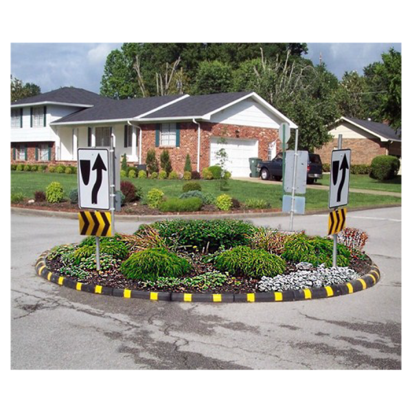 Rubber Sectional Island Curbing with reflectors