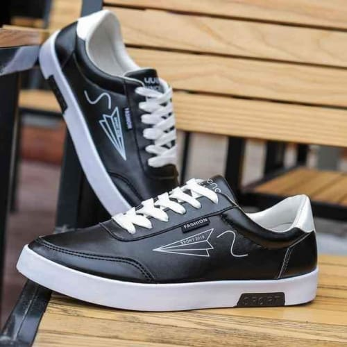 Mens Flat Lace-up Designer Sneakers - 4 / 7