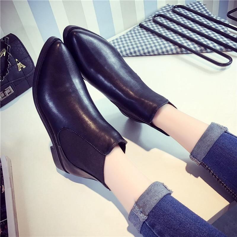 Women Ankle Flat Heel Leather Boots