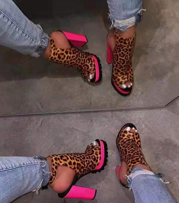 2020 Ladies Leopard Style Shoes With Pink Squared Heels and Soles