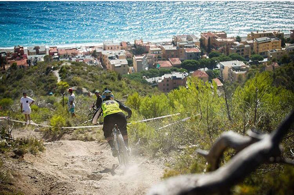 Bex Baraona riding in the Enduro World Series in Finale Ligure