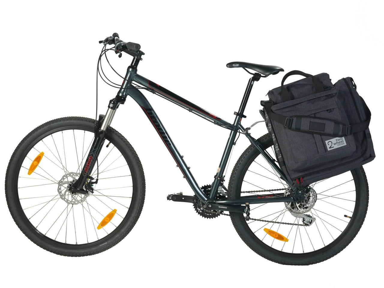 Classic 2.0 Garment Pannier in graphite grey mounted on bike rack