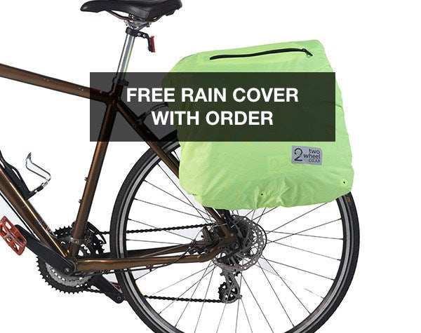Classic 2.0 Garment Pannier comes with waterproof rain cover