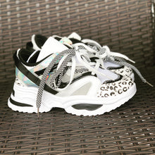 Load image into Gallery viewer, New Trent Sneakers